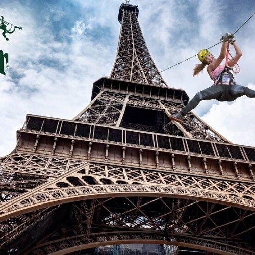 SMASHPERRIER vous fait voler depuis la Tour Eiffel