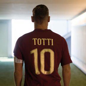 Le maillot spécial de l'AS Roma pour le Derby romain