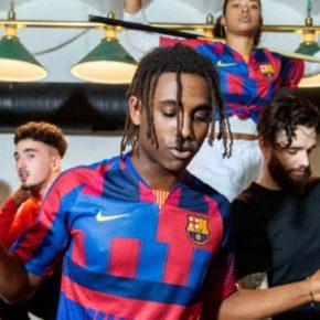 Maillot anniversaire des 20 ans du partenariat entre le FC Barcelone et Nike